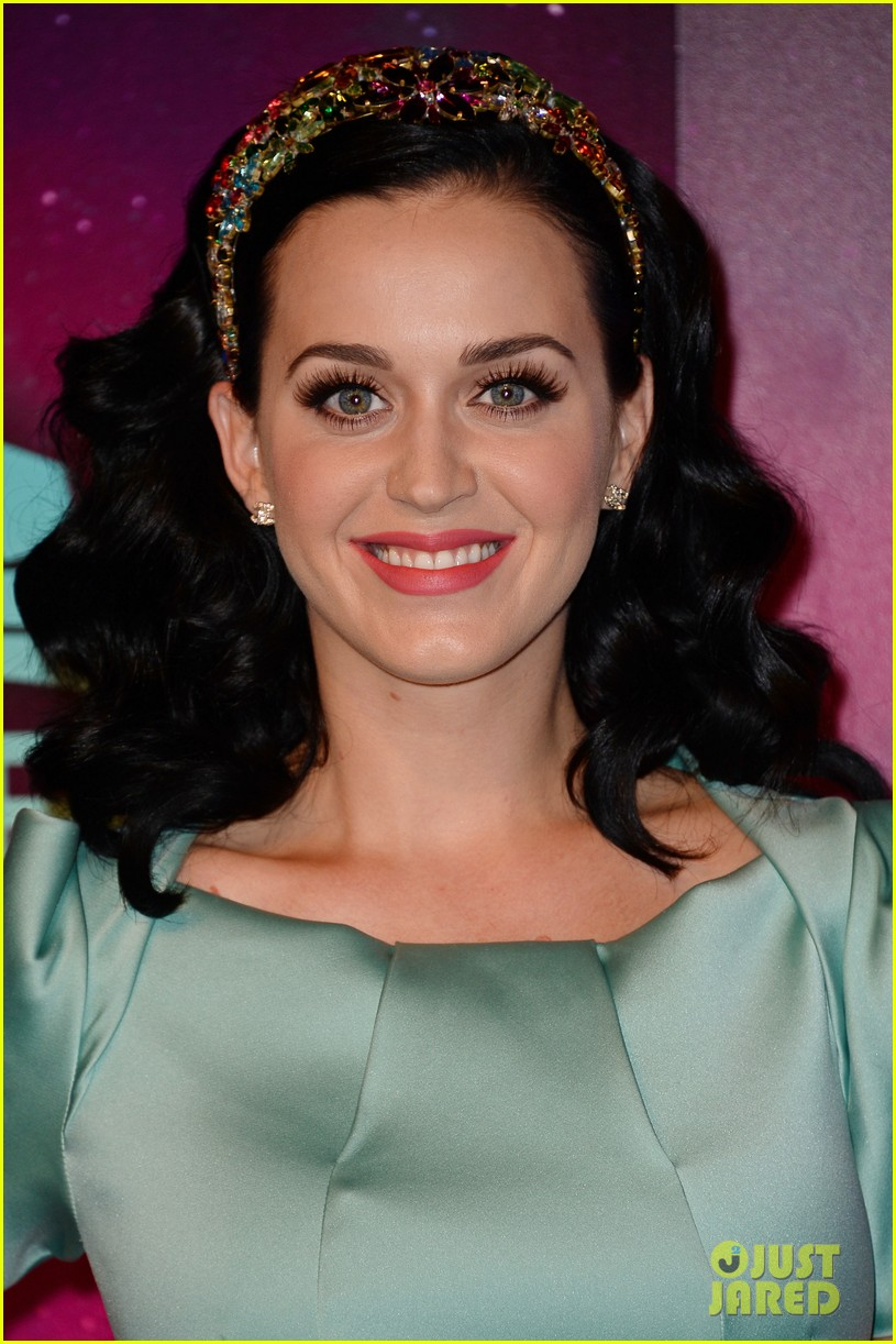katy perry mtv ema 2013 red carpet 062989774