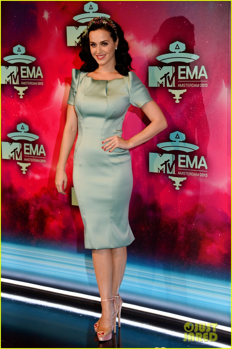katy perry mtv ema 2013 red carpet 092989777