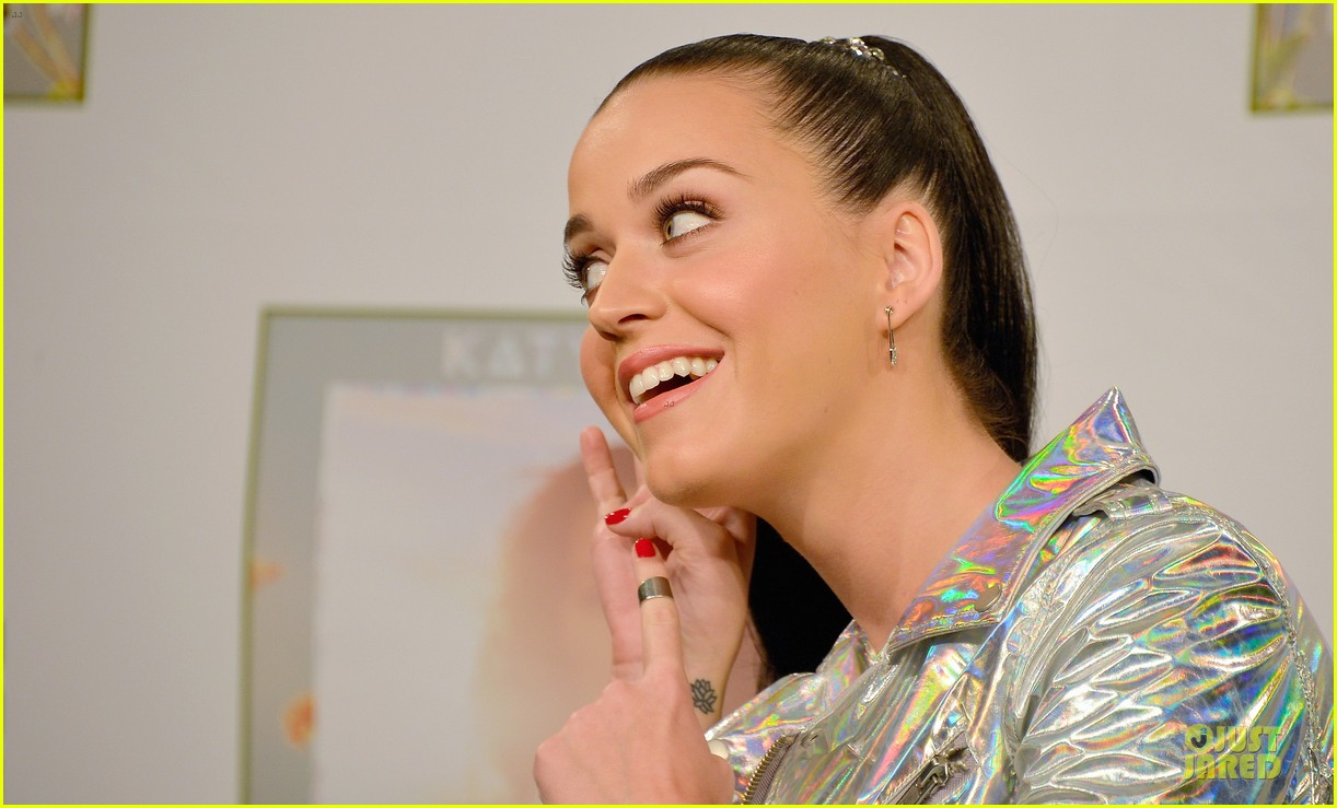 katy perry set to open american music awards 122993566