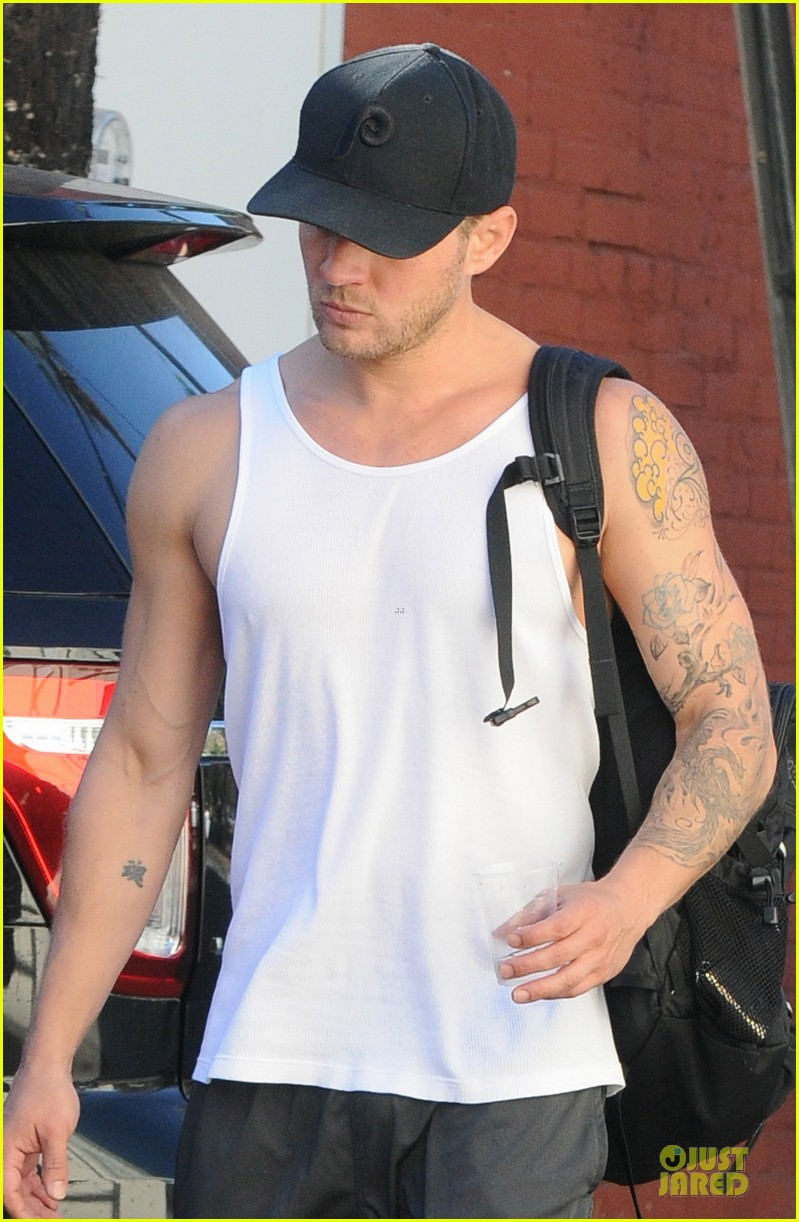 ryan phillippe thanks rachelle lefevre for being awesome movie wife 023000269