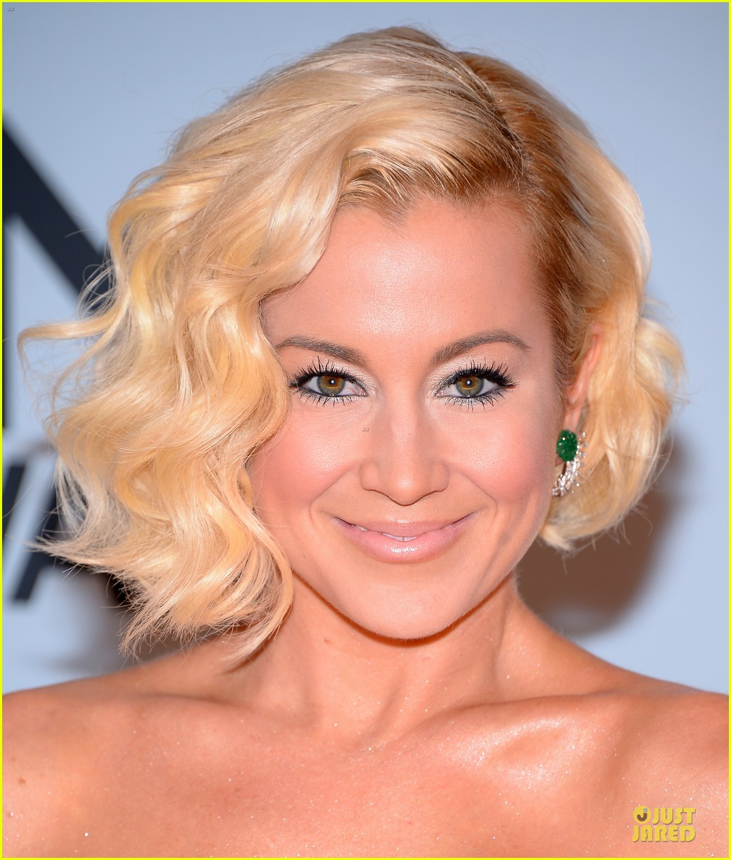 kellie pickler scotty mccreery cma awards 2013 red carpet 062987185