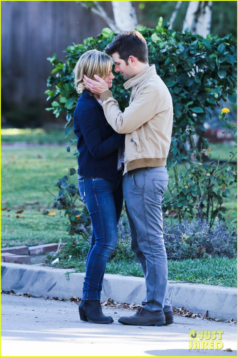 amy poehler adam scott kiss for parks recreation 012993357