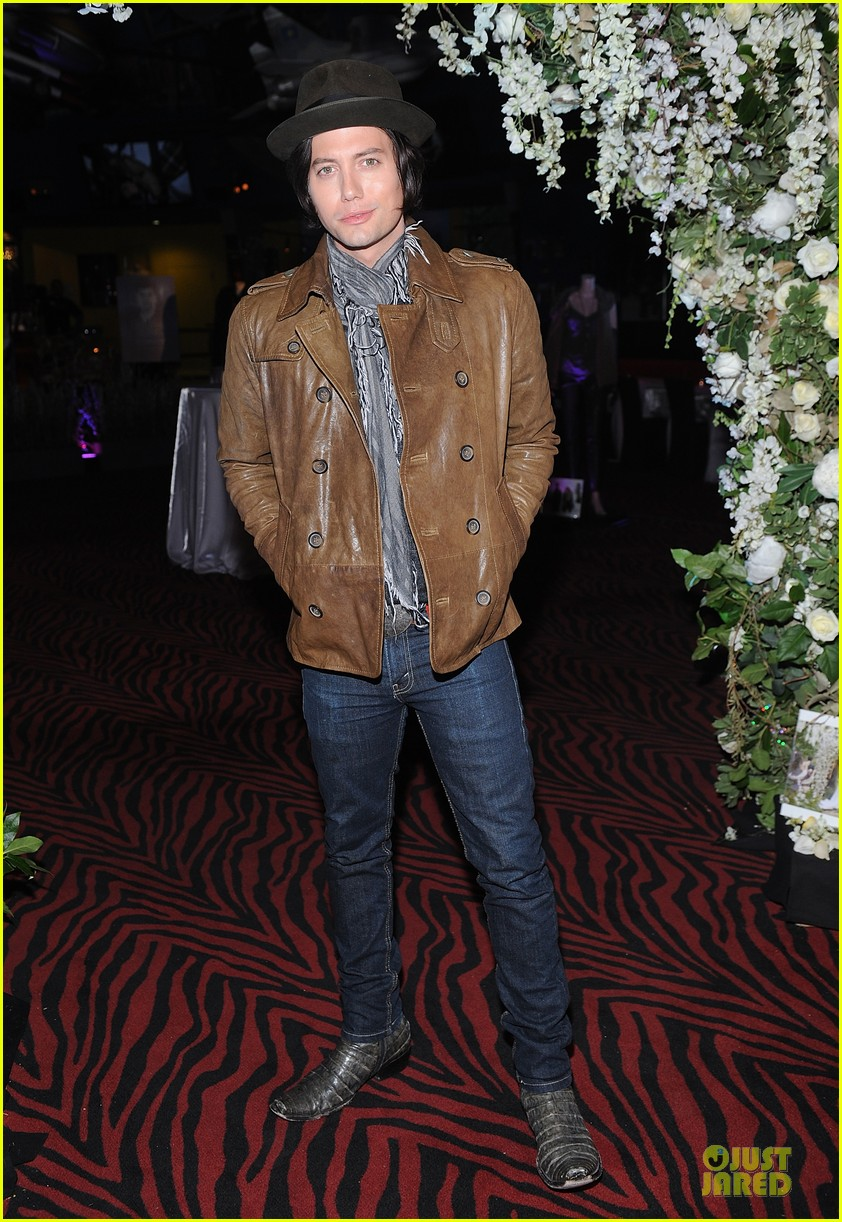 nikki reed peter facinelli twilight experience exhibit launch 082986215