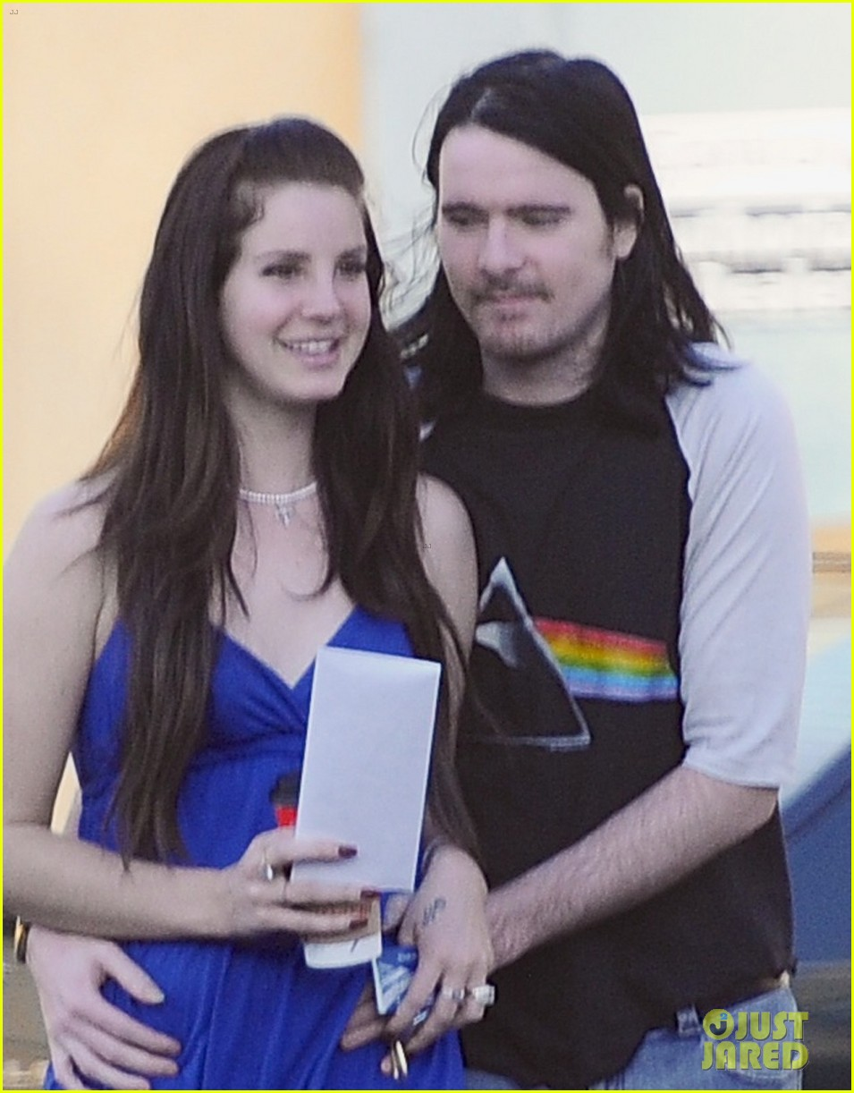 Lana Del Rey S Music Is Irrelevent According To Lorde Photo 3001065 Barrie James O Neill Lana Del Rey Pictures Just Jared