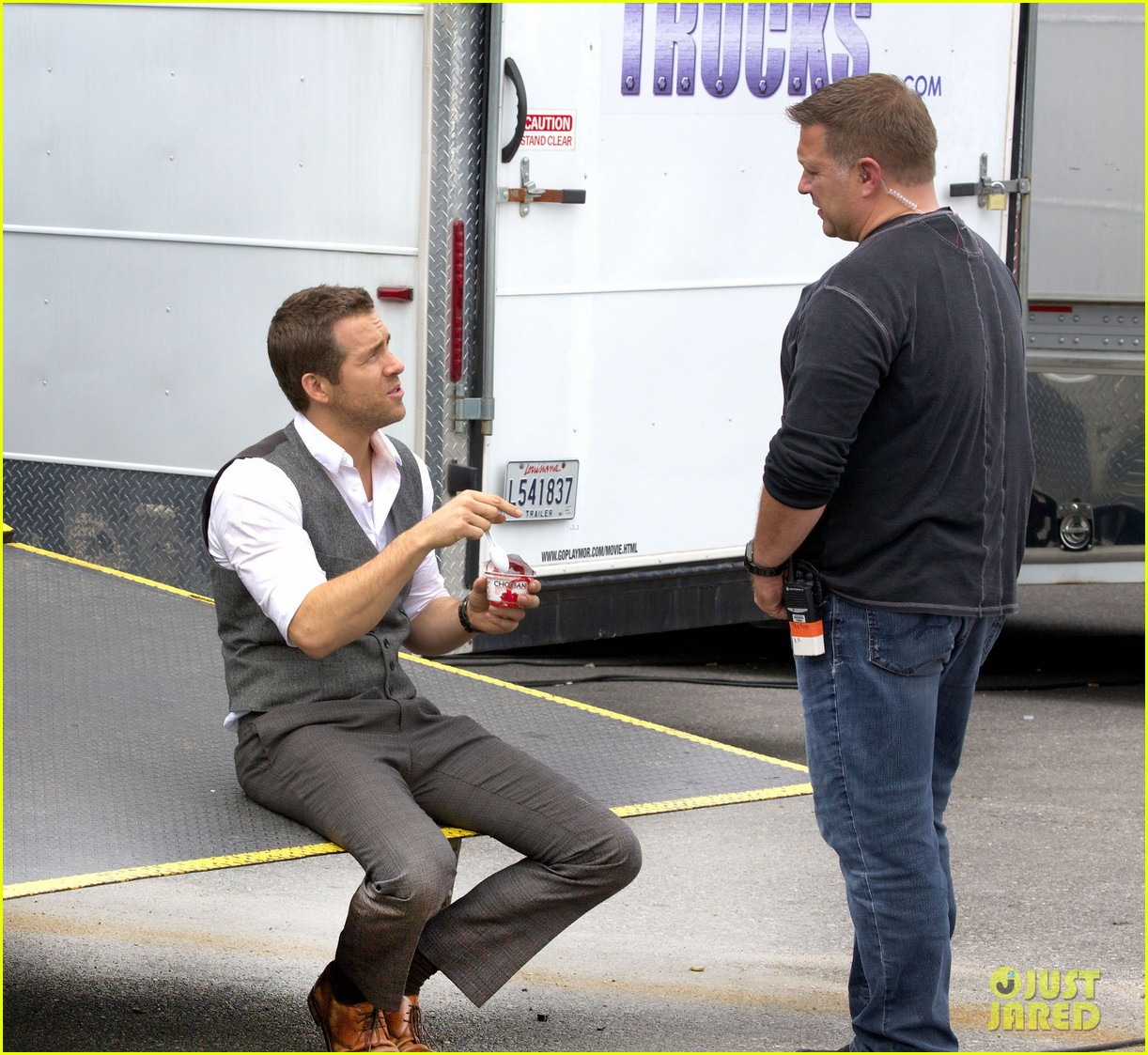 ryan reynolds back on set after new york city weekend 032991045