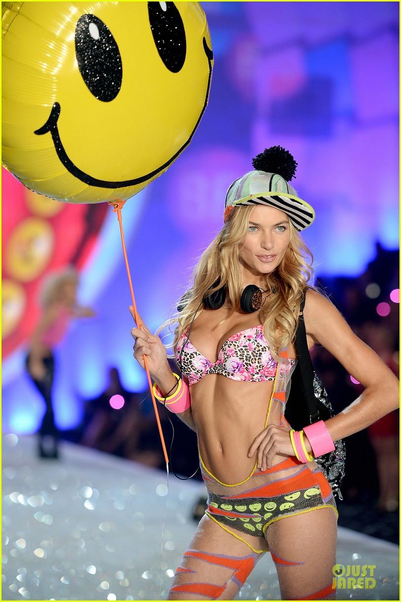 hilary rhoda lindsay ellingson victorias secret fashion show 2013 042992351