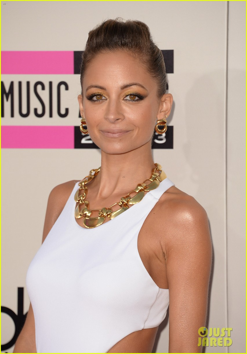 nicole richie heidi klum amas 2013 red carpet 022999341