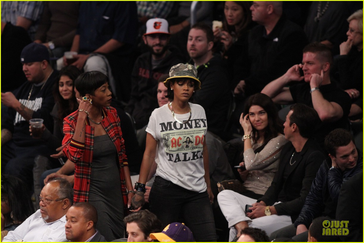 rihanna bff melissa forde hold hands at lakers game 022998432