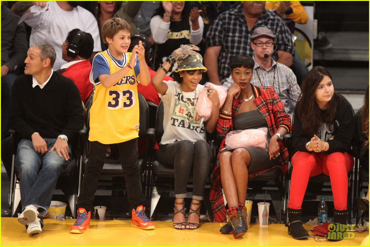 pics photos rihanna and melissa forde having fun while cheering for. Cars Review. Best American Auto & Cars Review