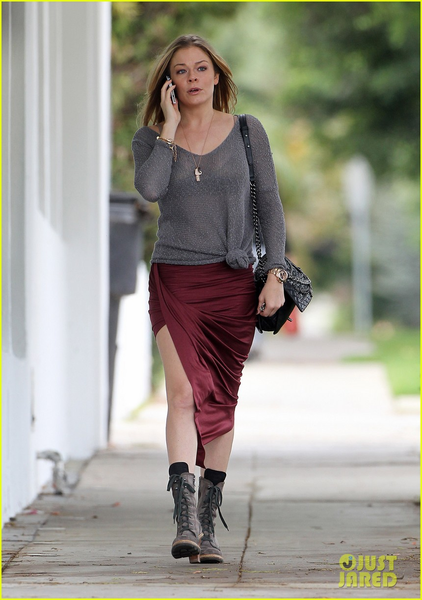 leann rimes spends day catching up on real life 032997252