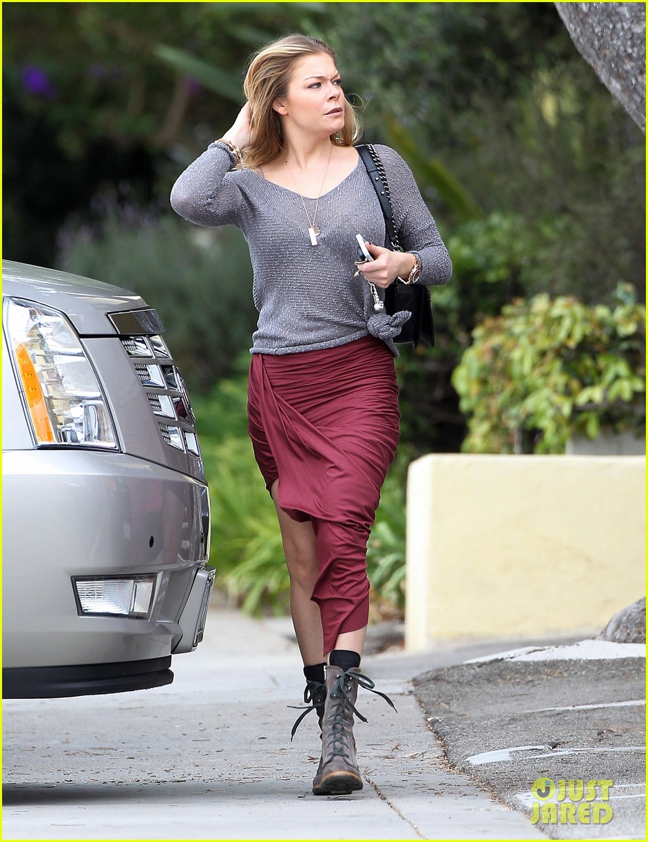 leann rimes spends day catching up on real life 062997255
