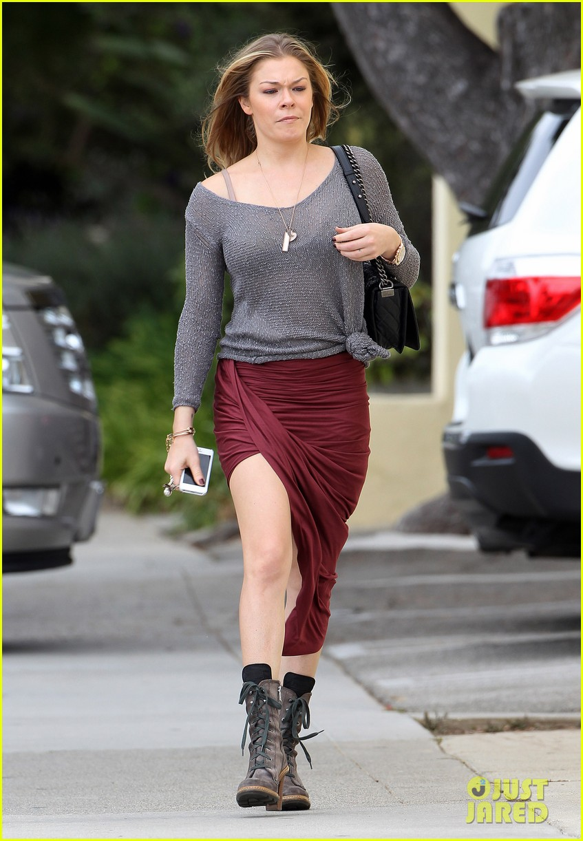 leann rimes spends day catching up on real life 112997260