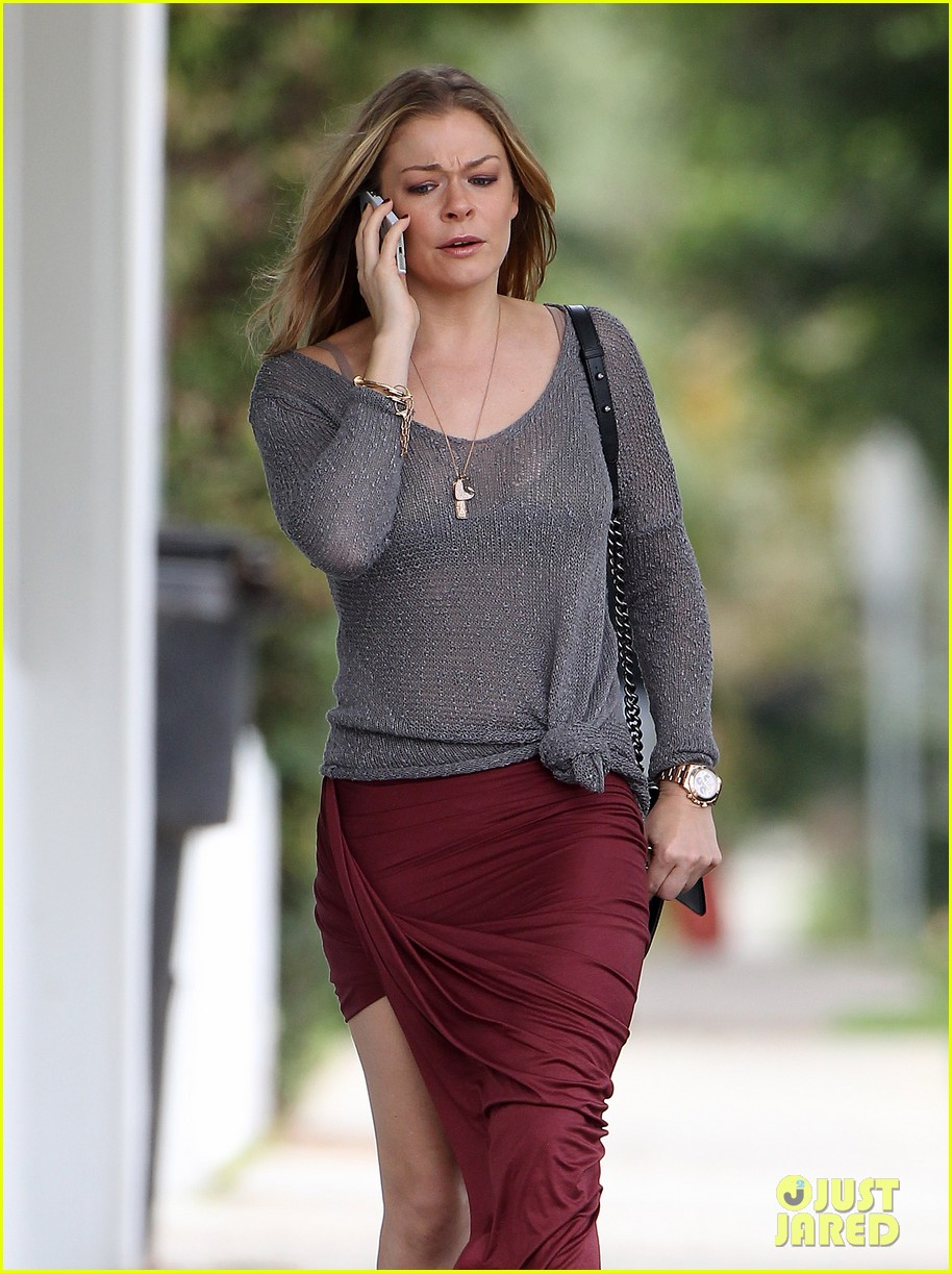 leann rimes spends day catching up on real life 162997265