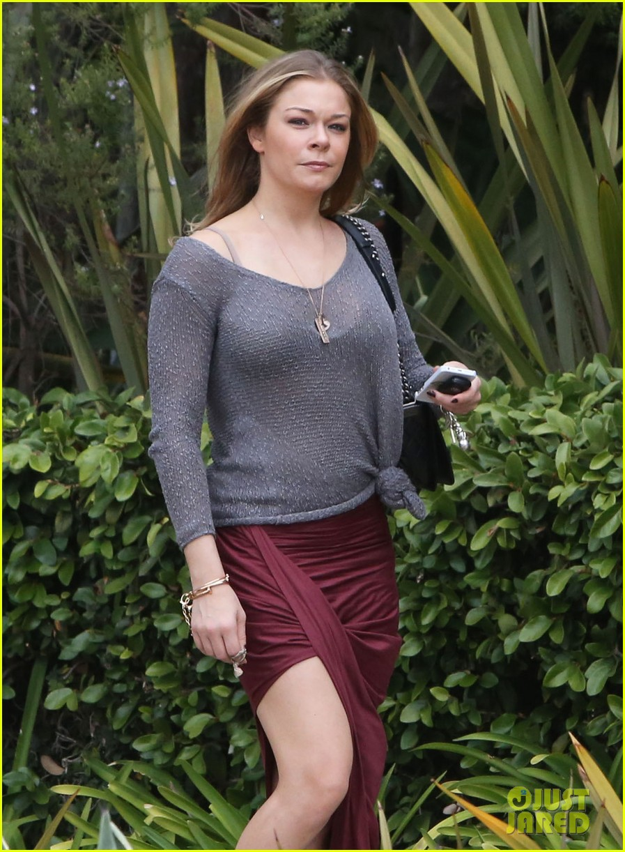 leann rimes spends day catching up on real life 182997267