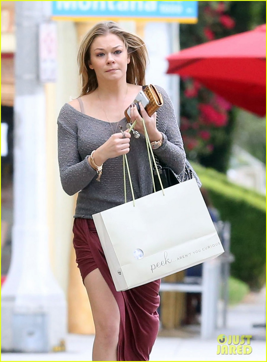 leann rimes spends day catching up on real life 202997269