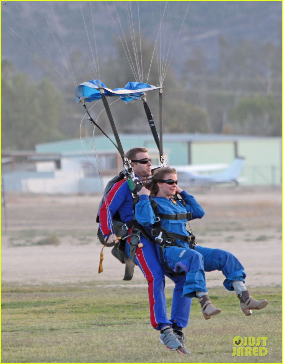 leann rimes eddie cibrian skydive elsinore couple 062990947