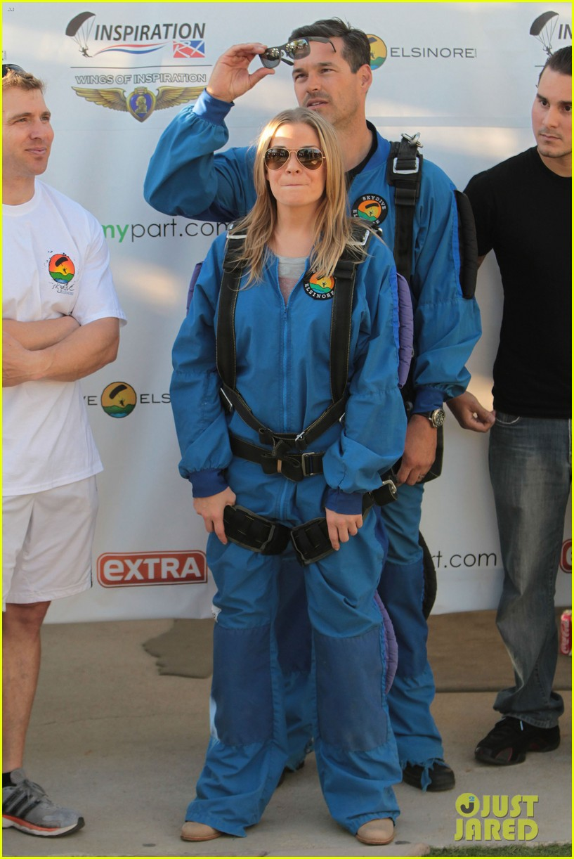 leann rimes eddie cibrian skydive elsinore couple 182990959