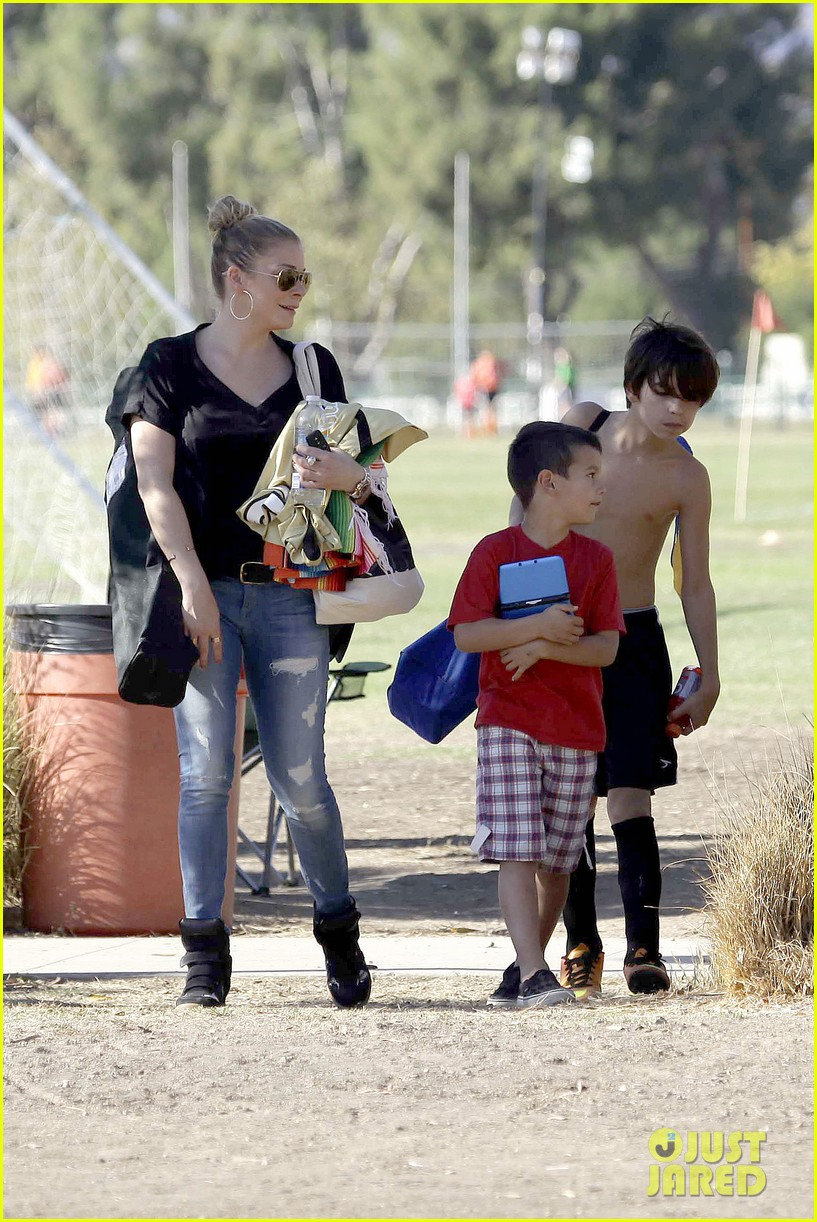 leann rimes soccer game with mason jake 212985239