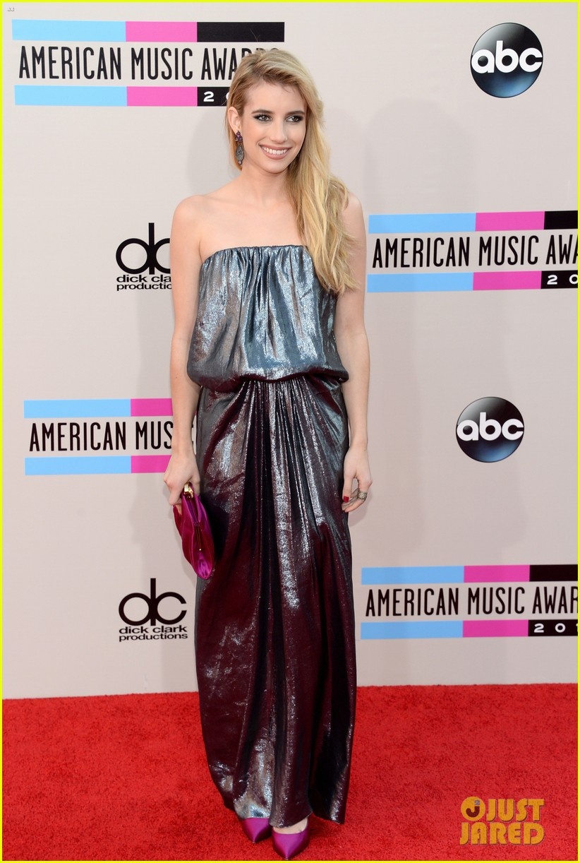 emma roberts amas 2013 red carpet 012999282