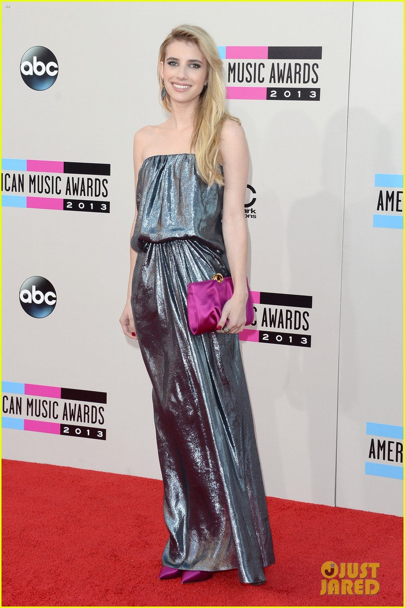 emma roberts amas 2013 red carpet 06
