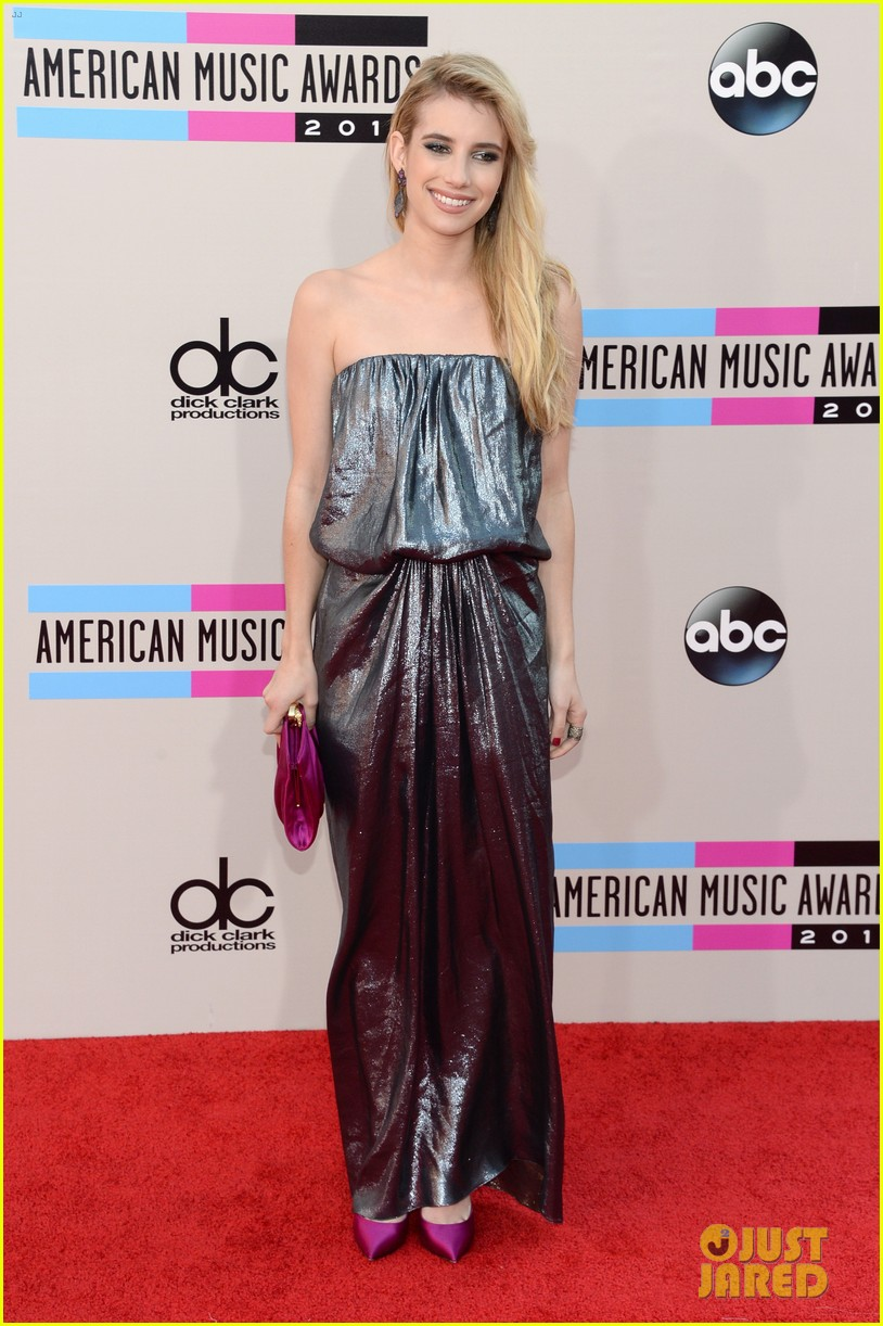 emma roberts amas 2013 red carpet 112999292