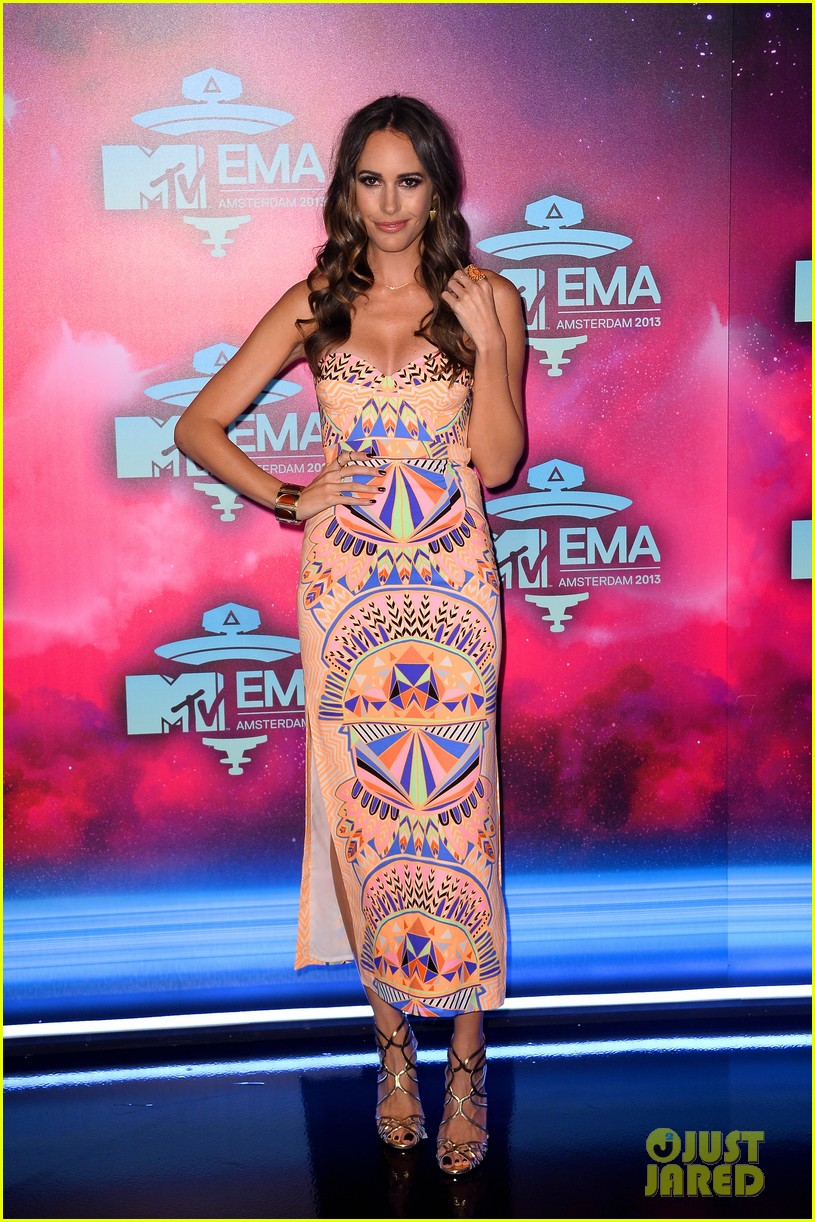 louise roe colton haynes mtv ema 2013 red carpet 01