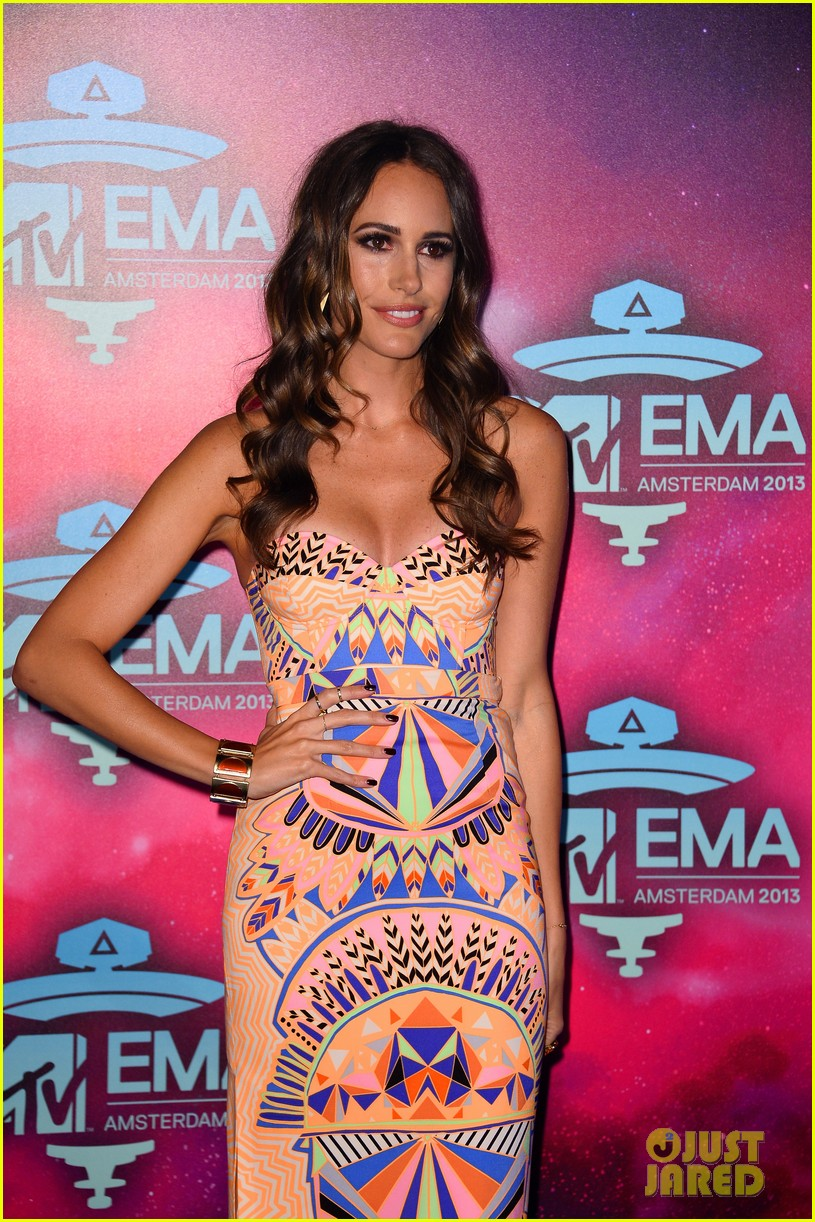 louise roe colton haynes mtv ema 2013 red carpet 04