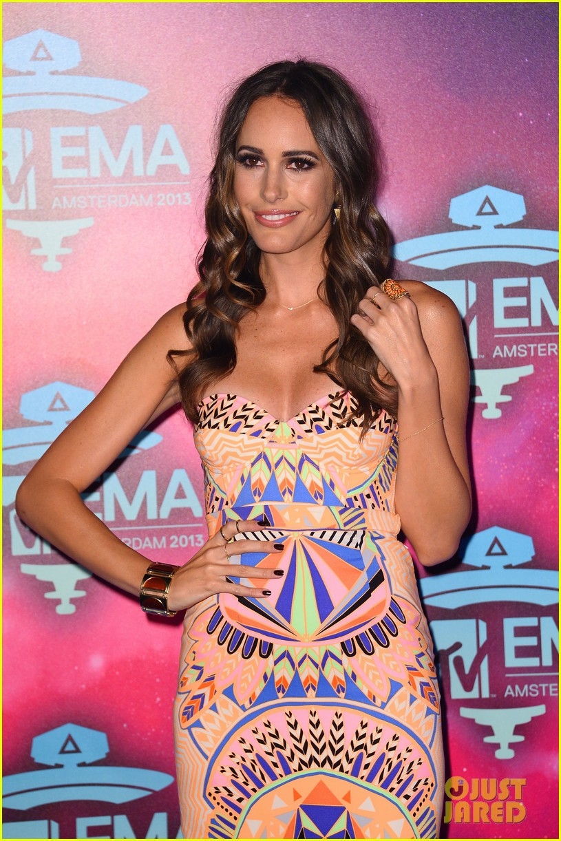 louise roe colton haynes mtv ema 2013 red carpet 072989952