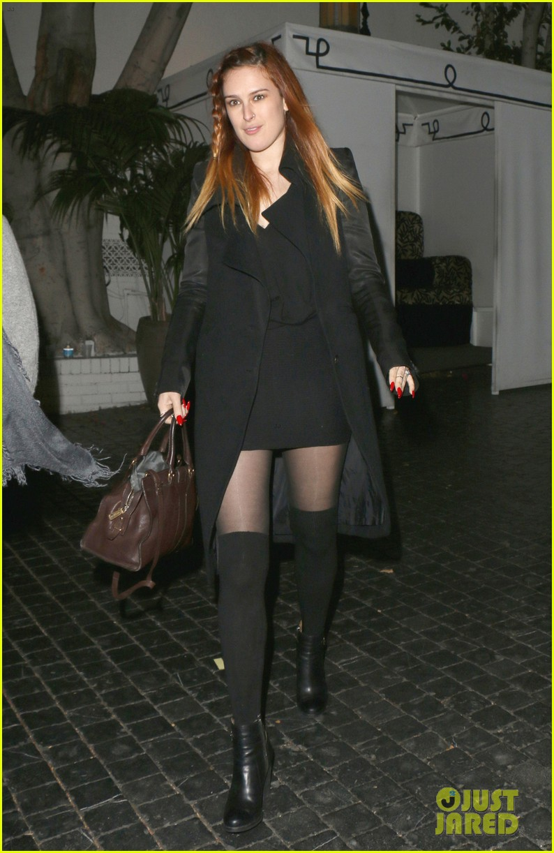 rumer willis steps out after hawaii five 0 appearance 012985551