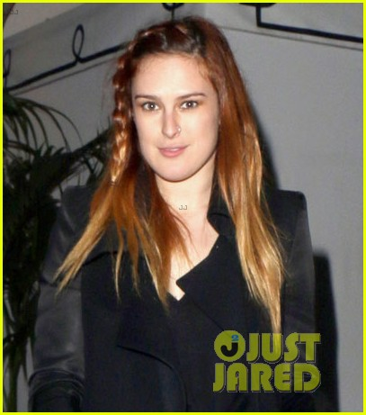 rumer willis steps out after hawaii five 0 appearance 022985552