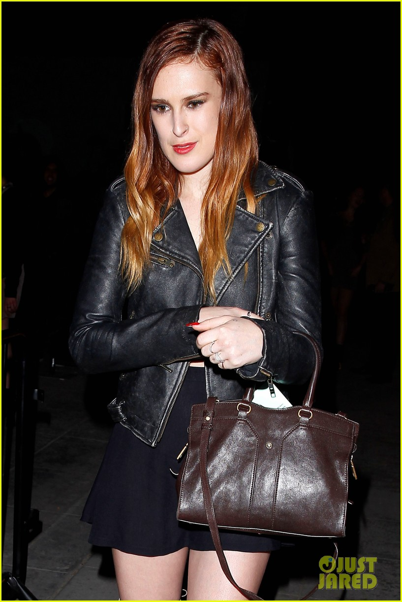 rumer willis wants tinder app for dogs 032993415