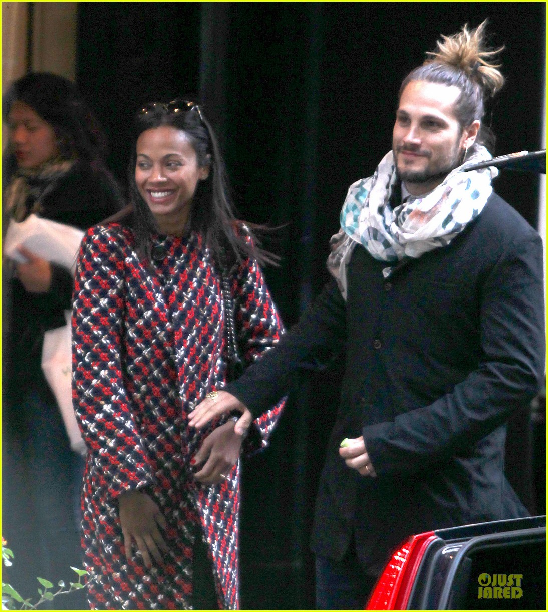 zoe saldana kisses marco perego after face tattoo flash 11