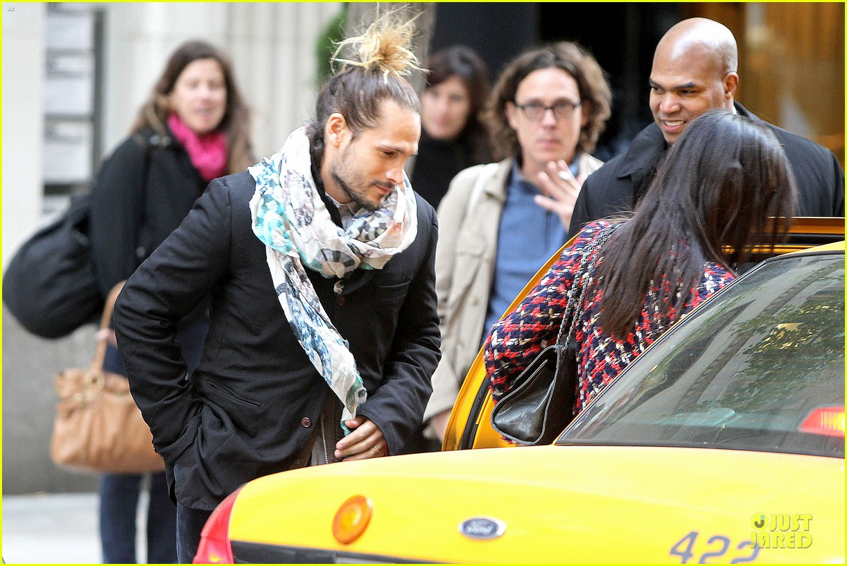 zoe saldana kisses marco perego after face tattoo flash 192988714