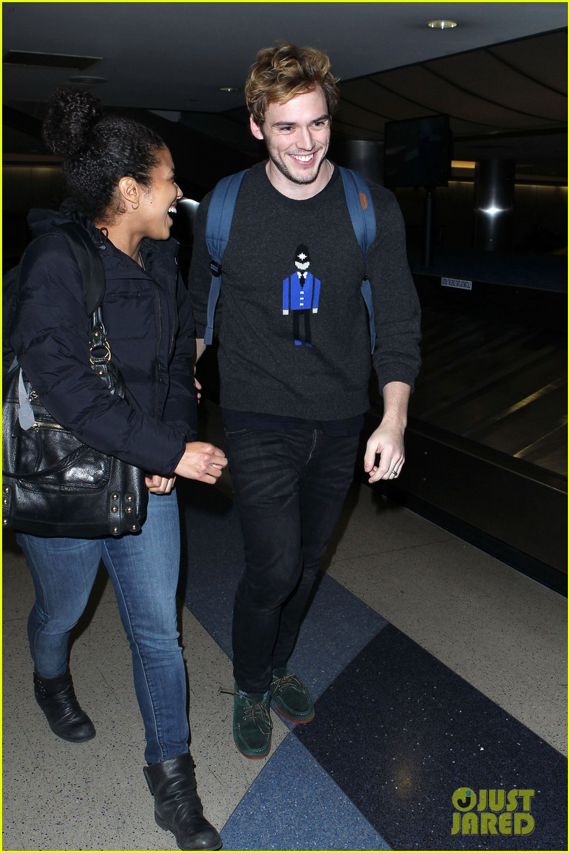 sam claflin jena malone wrap up catching fire victory tour in texas 232987890
