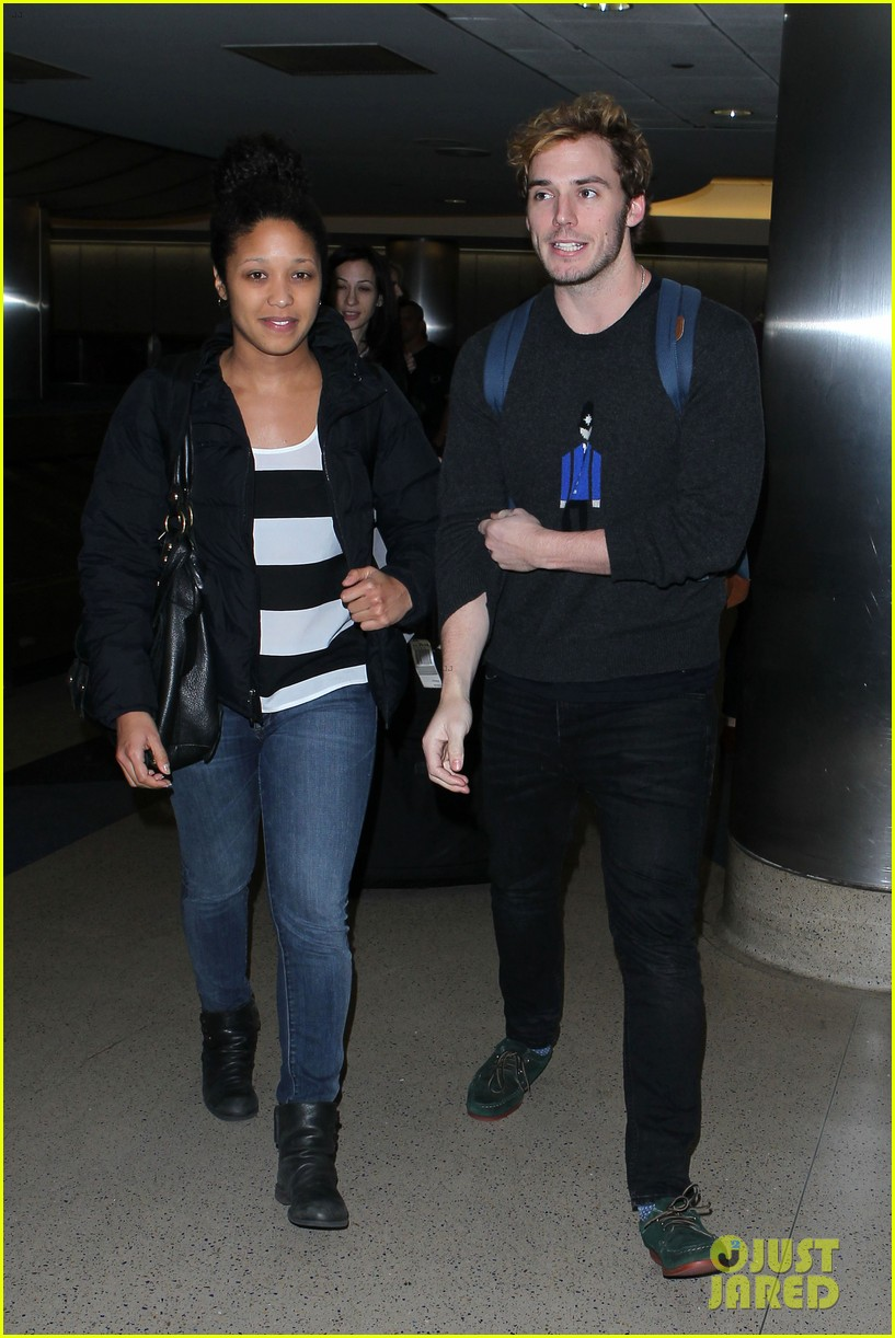 sam claflin jena malone wrap up catching fire victory tour in texas 252987892