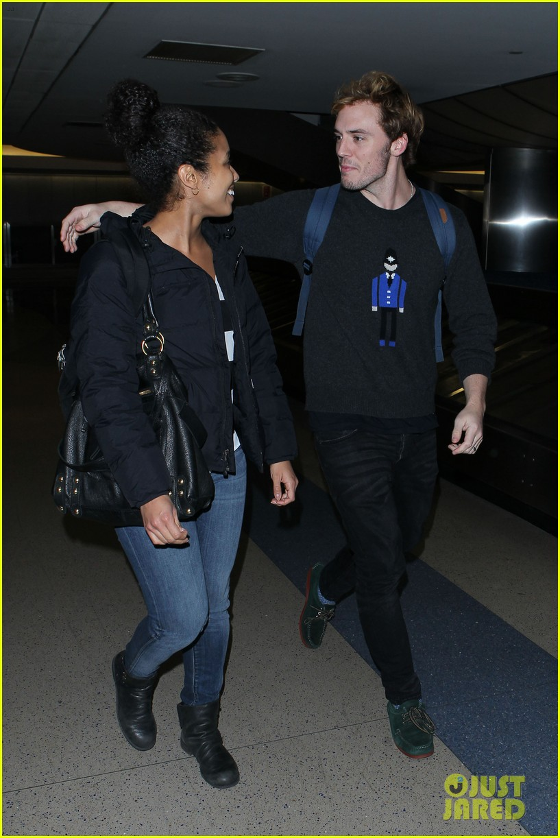 sam claflin jena malone wrap up catching fire victory tour in texas 322987899