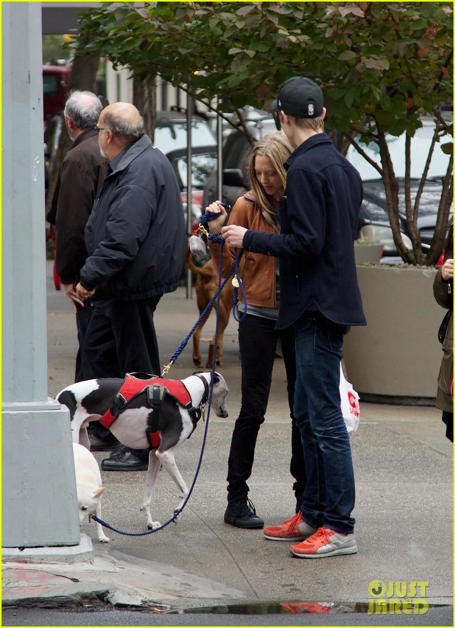 amanda seyfried halloween dog walk with male pal 032984375