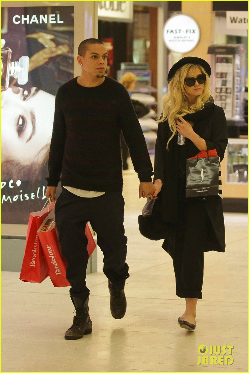 ashlee simpson is the one says boyfriend evan ross 012996477