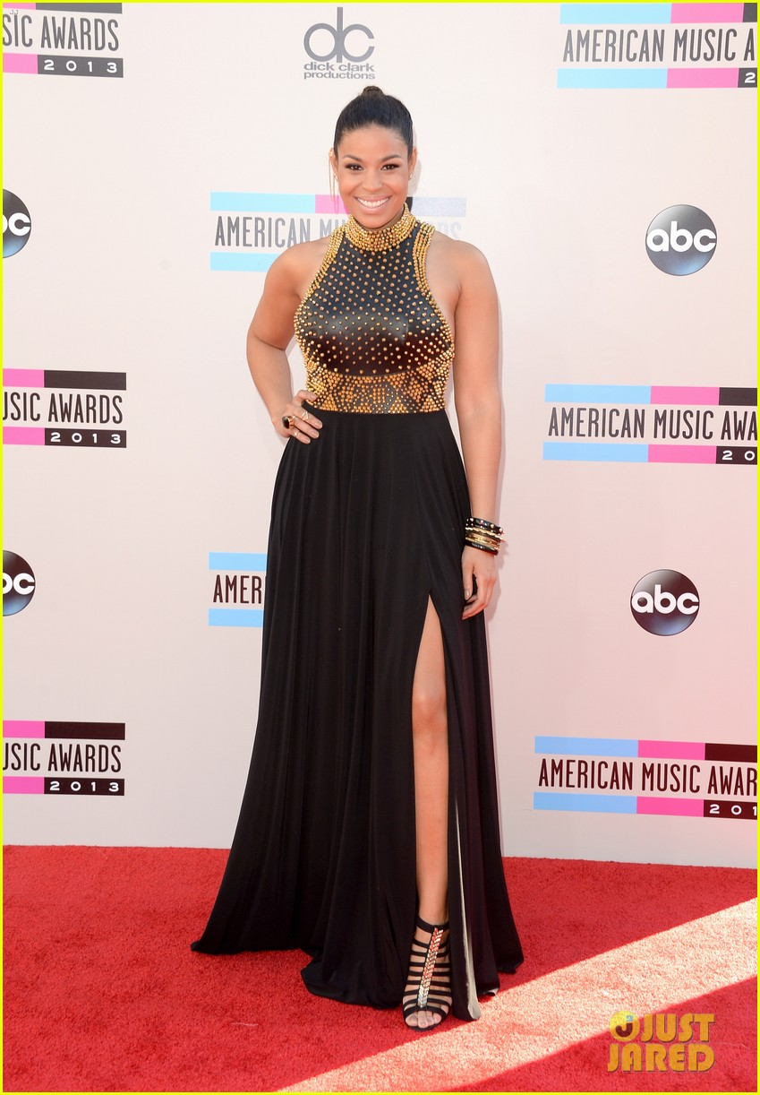 jordin sparks american music awards 2013 red carpet 012999147