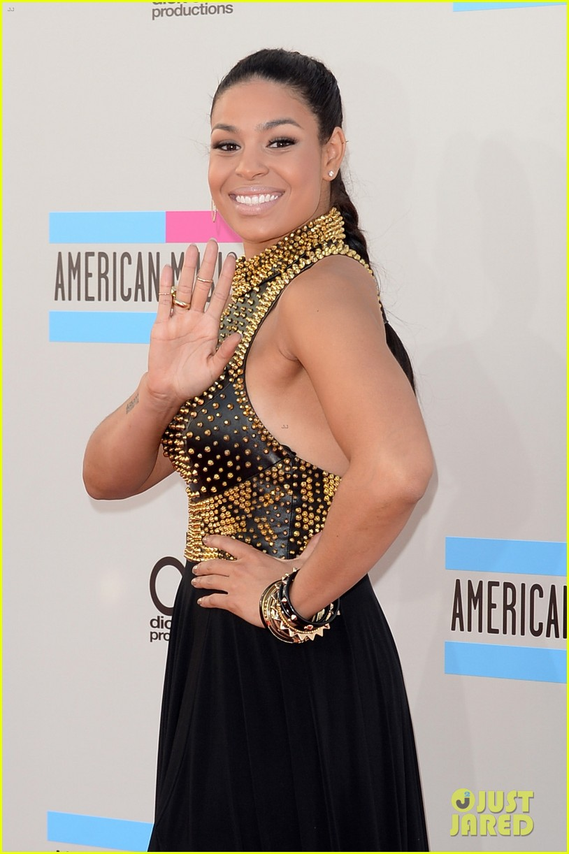 jordin sparks american music awards 2013 red carpet 022999148
