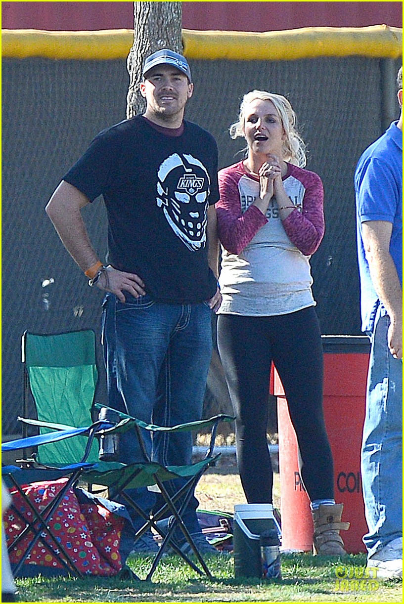 britney spears david lucado soccer game with kevin federline 012989141