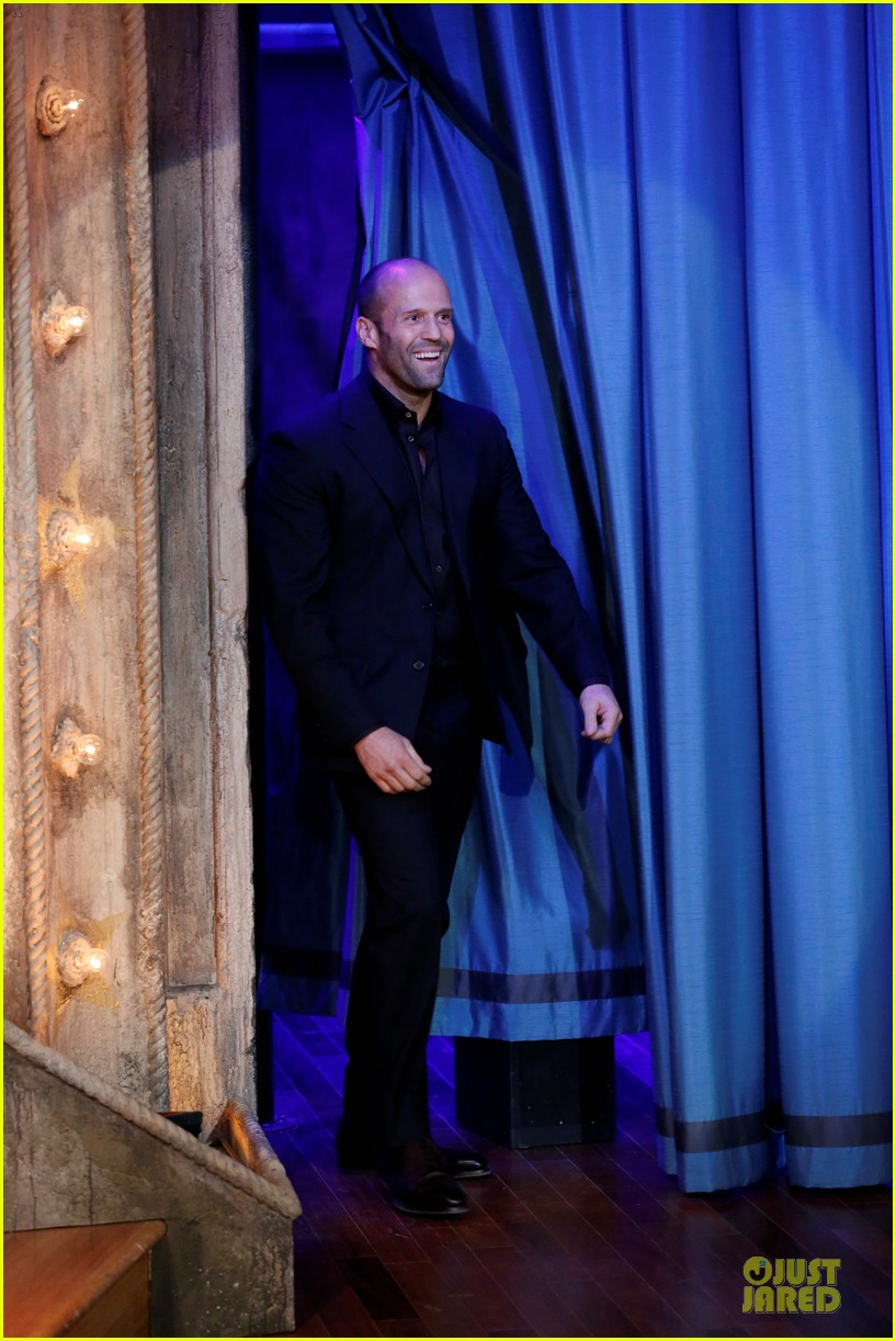 jason statham plays water wars on fallon 012987369