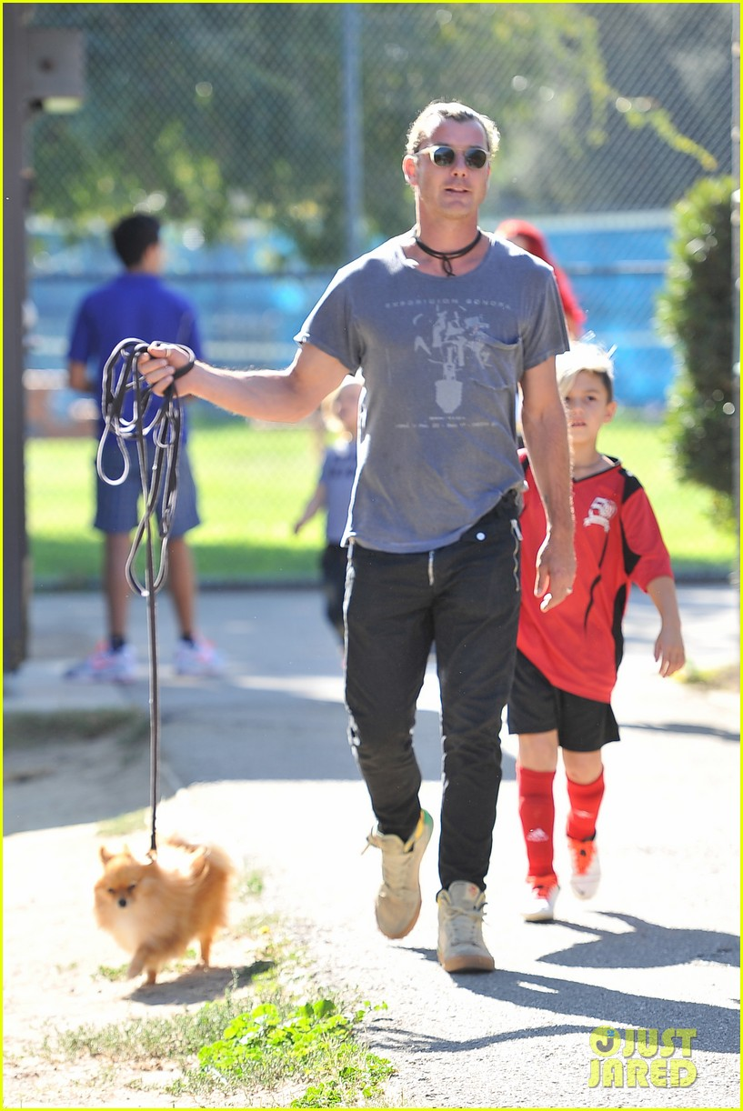 gwen stefani gavin rossdale keep busy over the weekend 082985739