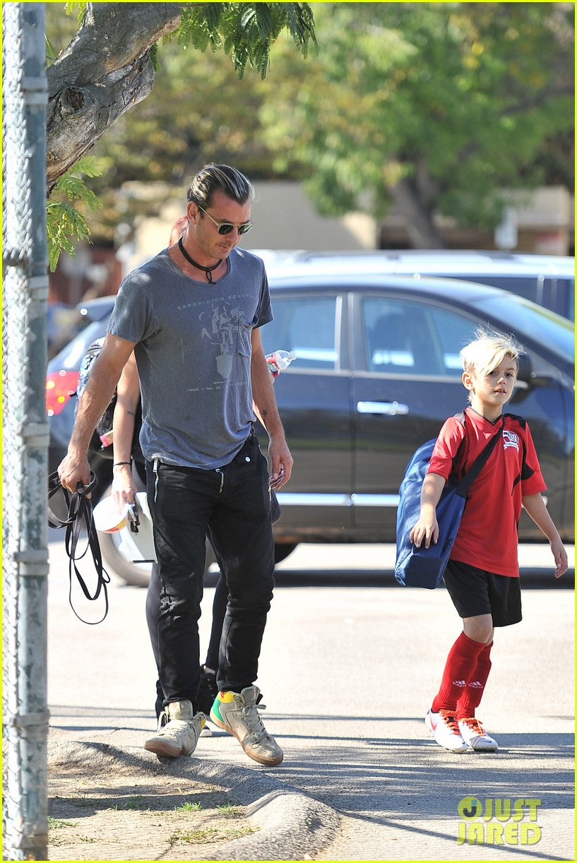 gwen stefani gavin rossdale keep busy over the weekend 152985746