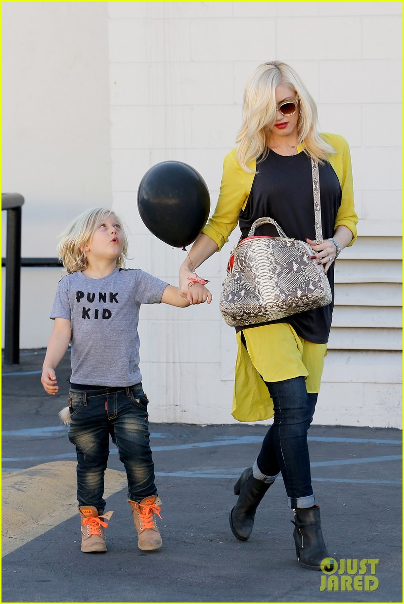 gwen stefani gavin rossdale keep busy over the weekend 202985751
