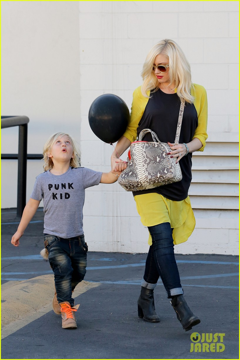 gwen stefani gavin rossdale keep busy over the weekend 212985752