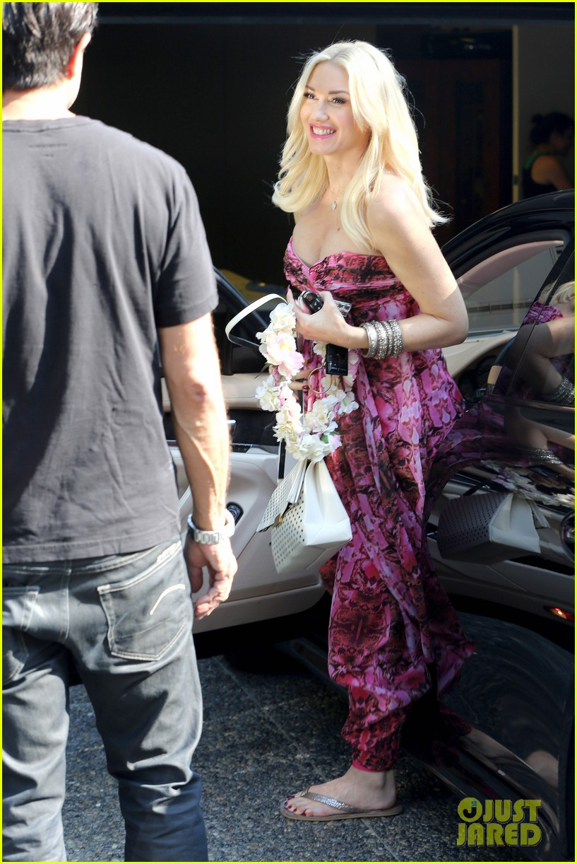 gwen stefani gavin rossdale keep busy over the weekend 242985755