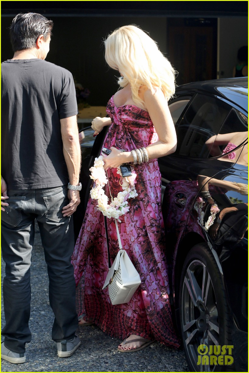 gwen stefani gavin rossdale keep busy over the weekend 282985759