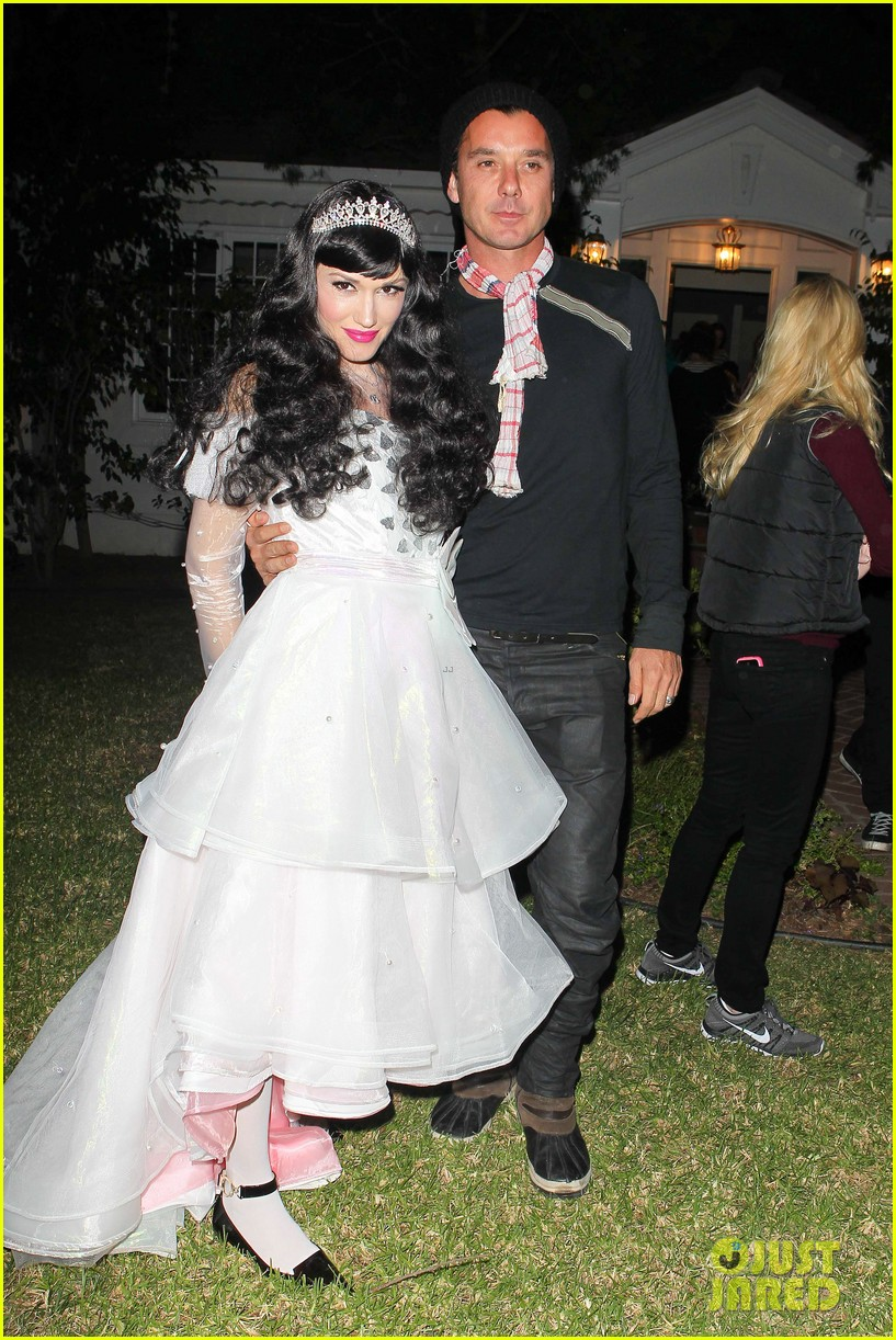 Gwen stefani gavin rossdale dress up for halloween 2013 photo gwen stefani gavin rossdale dress up for halloween 2013 junglespirit Images