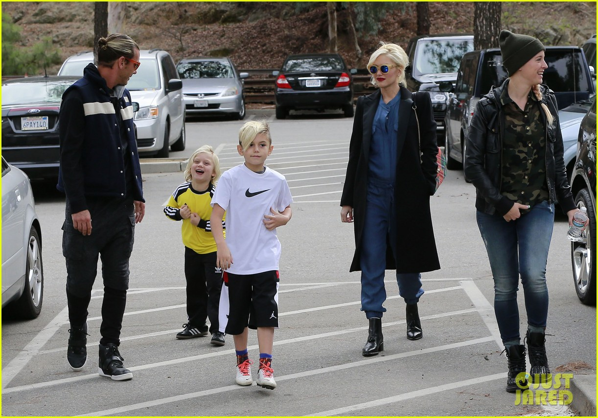 gwen stefani spends saturday with her family 032998808